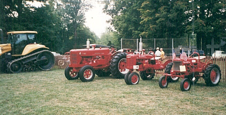 1998antiquetractorshow.jpg